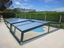 Abri bas de piscine : caractéristiques