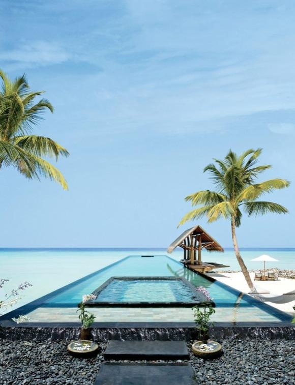 Piscine de l'hotel Resort dans les Maldives