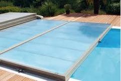abri piscine plat discret conomique et performant. Black Bedroom Furniture Sets. Home Design Ideas
