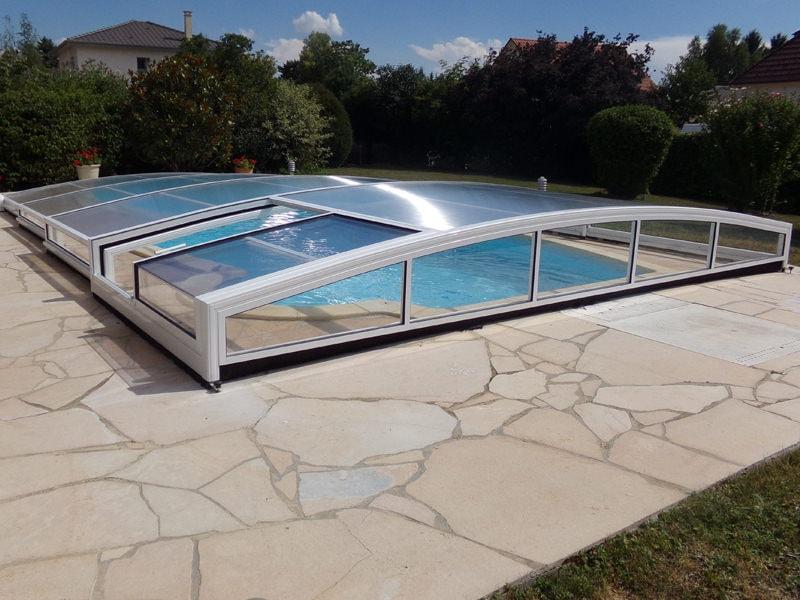 Abri piscine bas modèle Athènes de Bel Abri